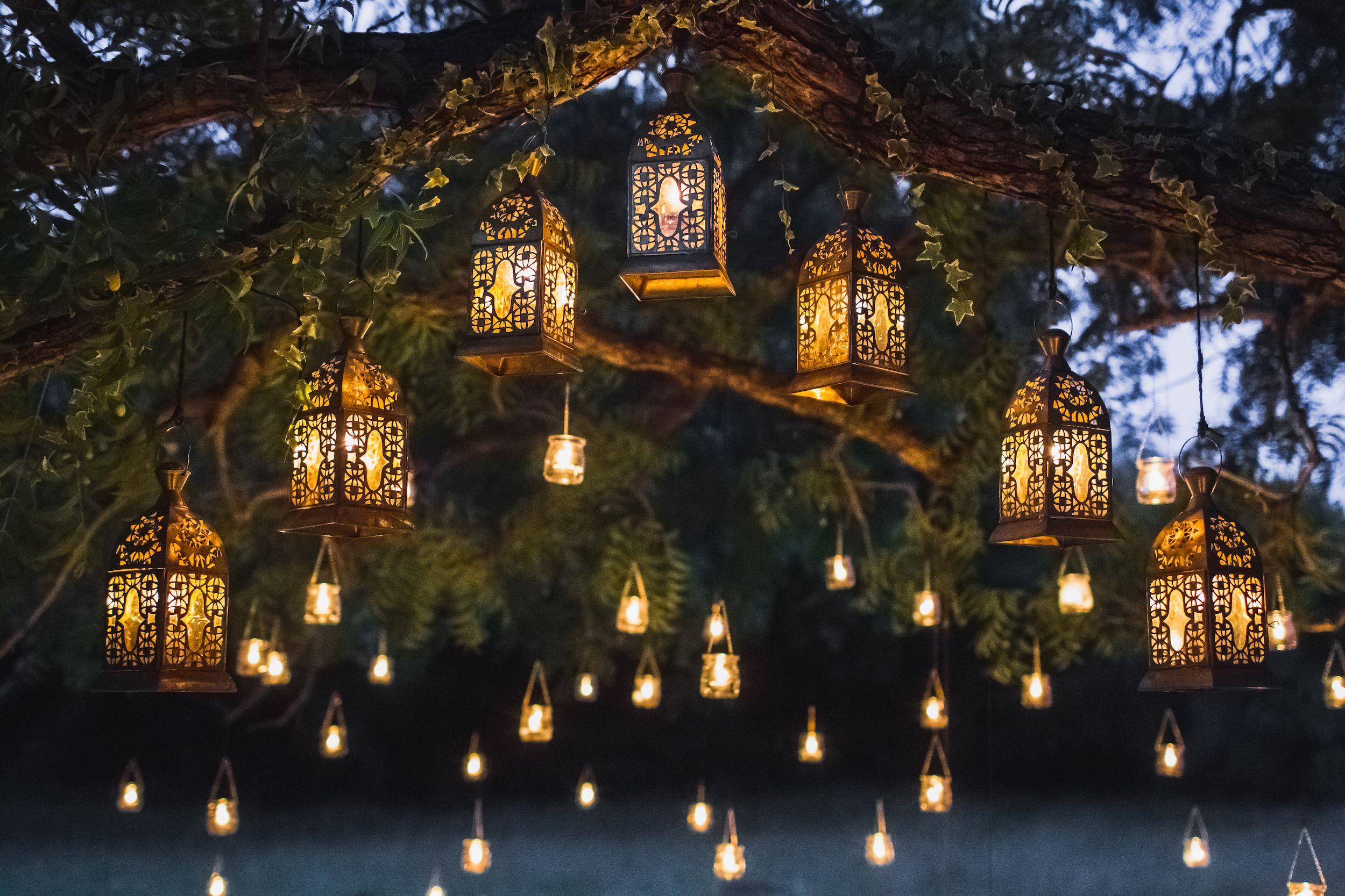 https www housebeautiful com uk garden a36163508 garden lighting ideas
