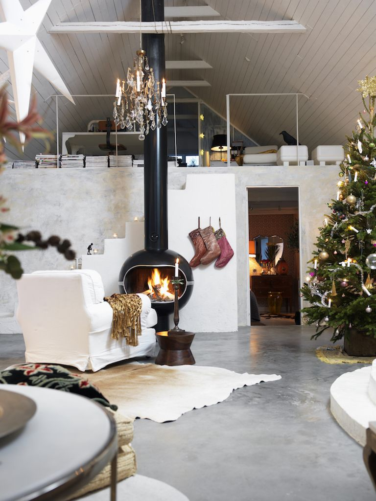 decorate small living room for christmas ideas with light brown sofas 15 stunning rooms holiday decor