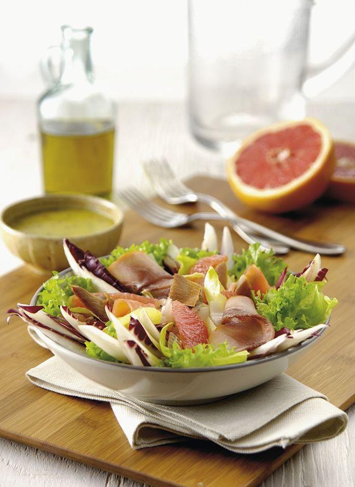 Smokey salad with salmon
