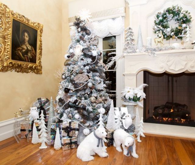40 Opulent Ideas For Christmas Tree Decorations