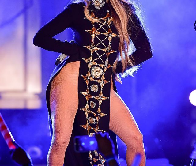 Jennifer Lopezs Sexiest Outfits J Los Best Looks