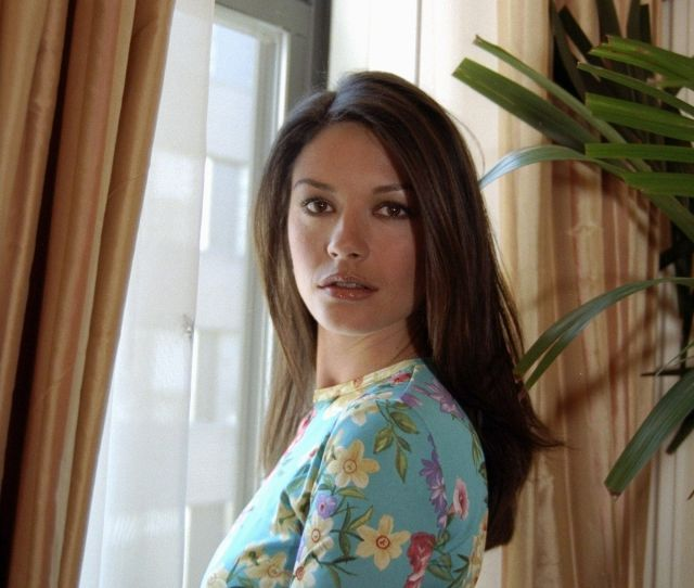 Rare Photos Catherine Zeta Jones Images Of Young Catherine Zeta