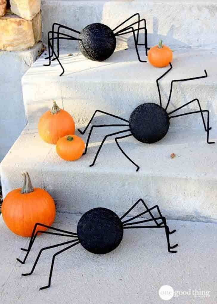 If you're planning any kind of party, decorations are one of the first things to consider. 75 Easy Diy Halloween Decorations Cheap Halloween Decor Ideas