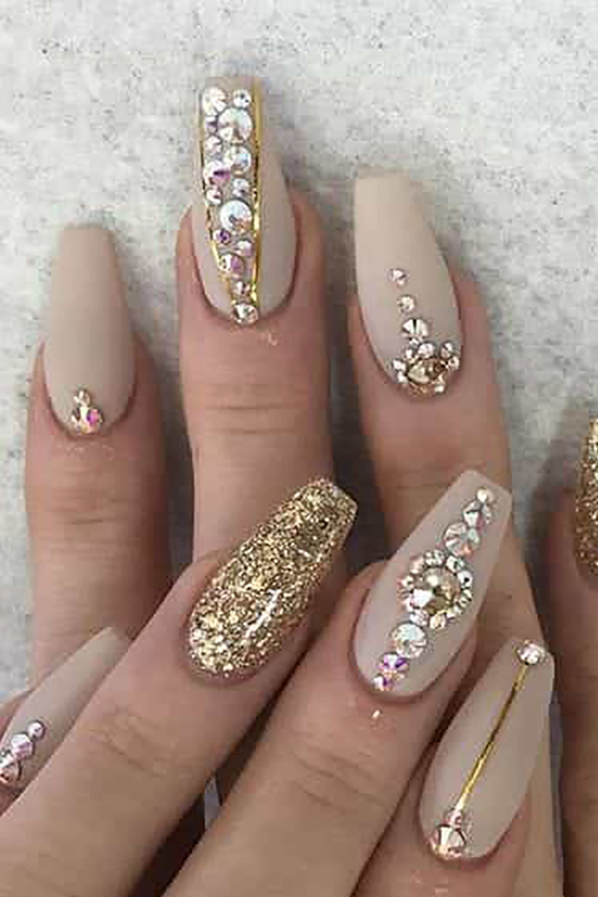 gel nail design - trendy