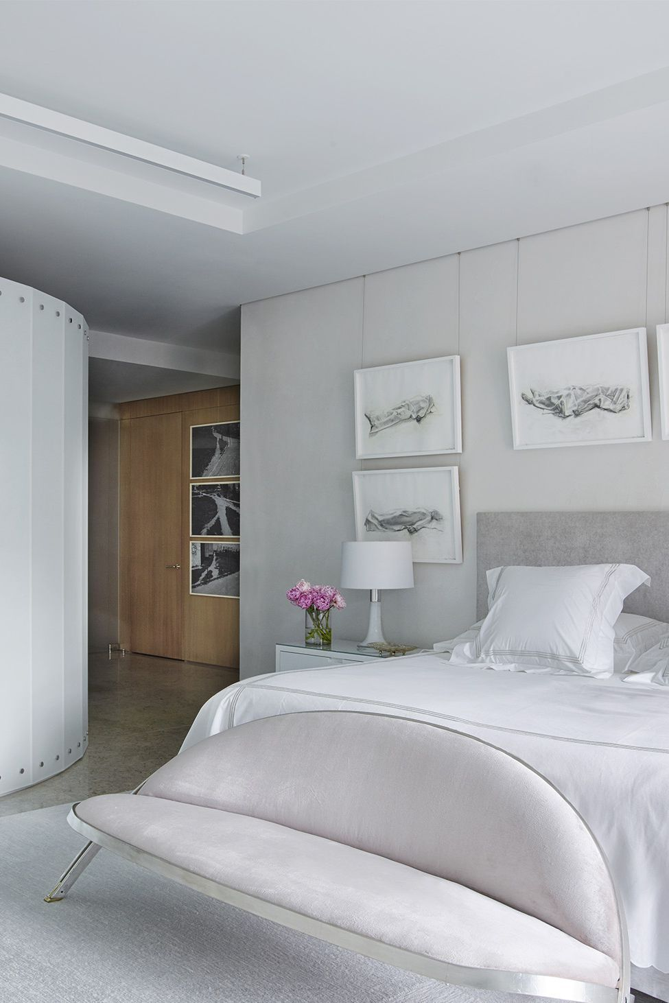 15 Creative Gray And White Bedroom Ideas Gray And White Bedroom Photos