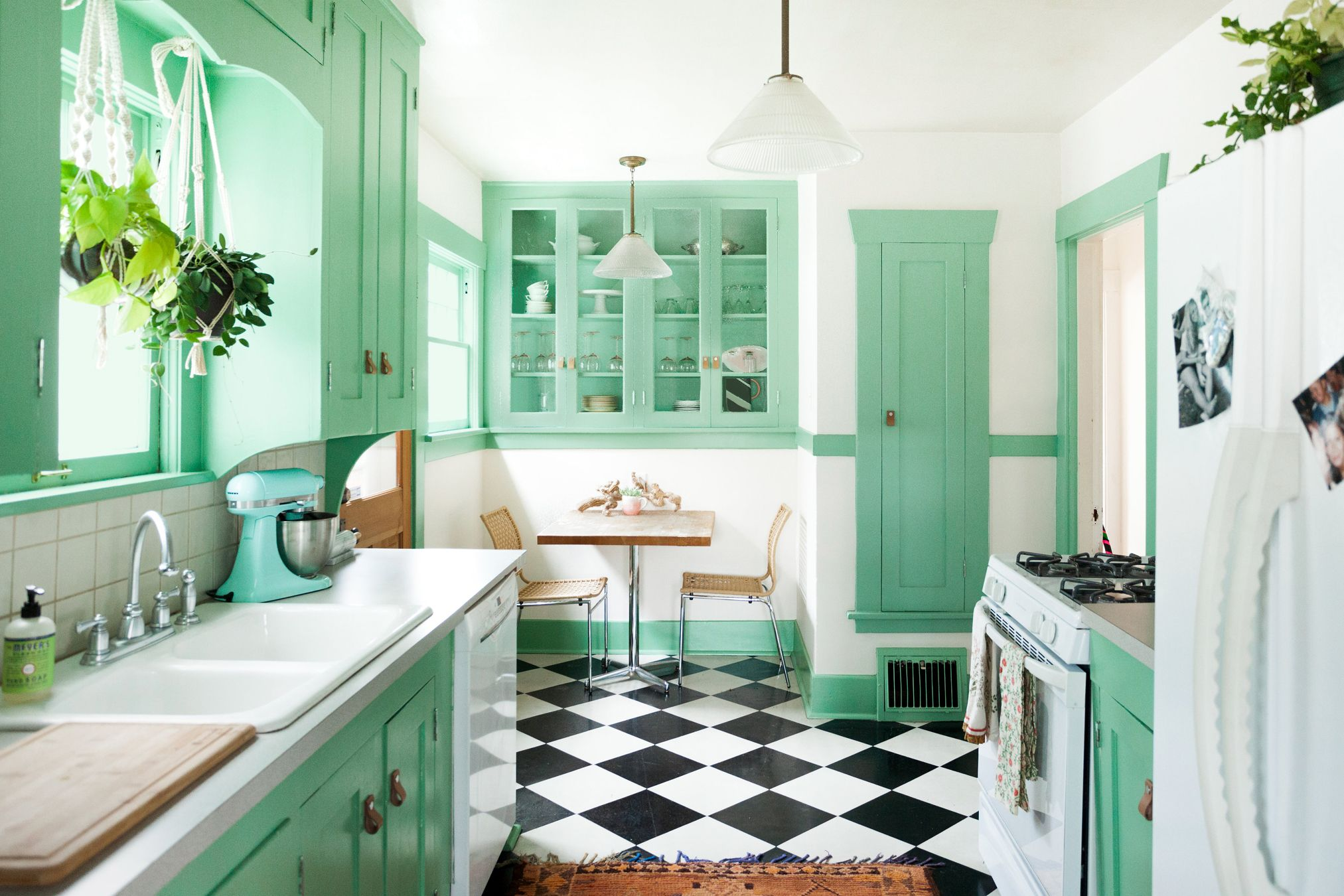 15 Best Green Kitchen Cabinet Ideas - Top Green Paint Colors for Kitchens
