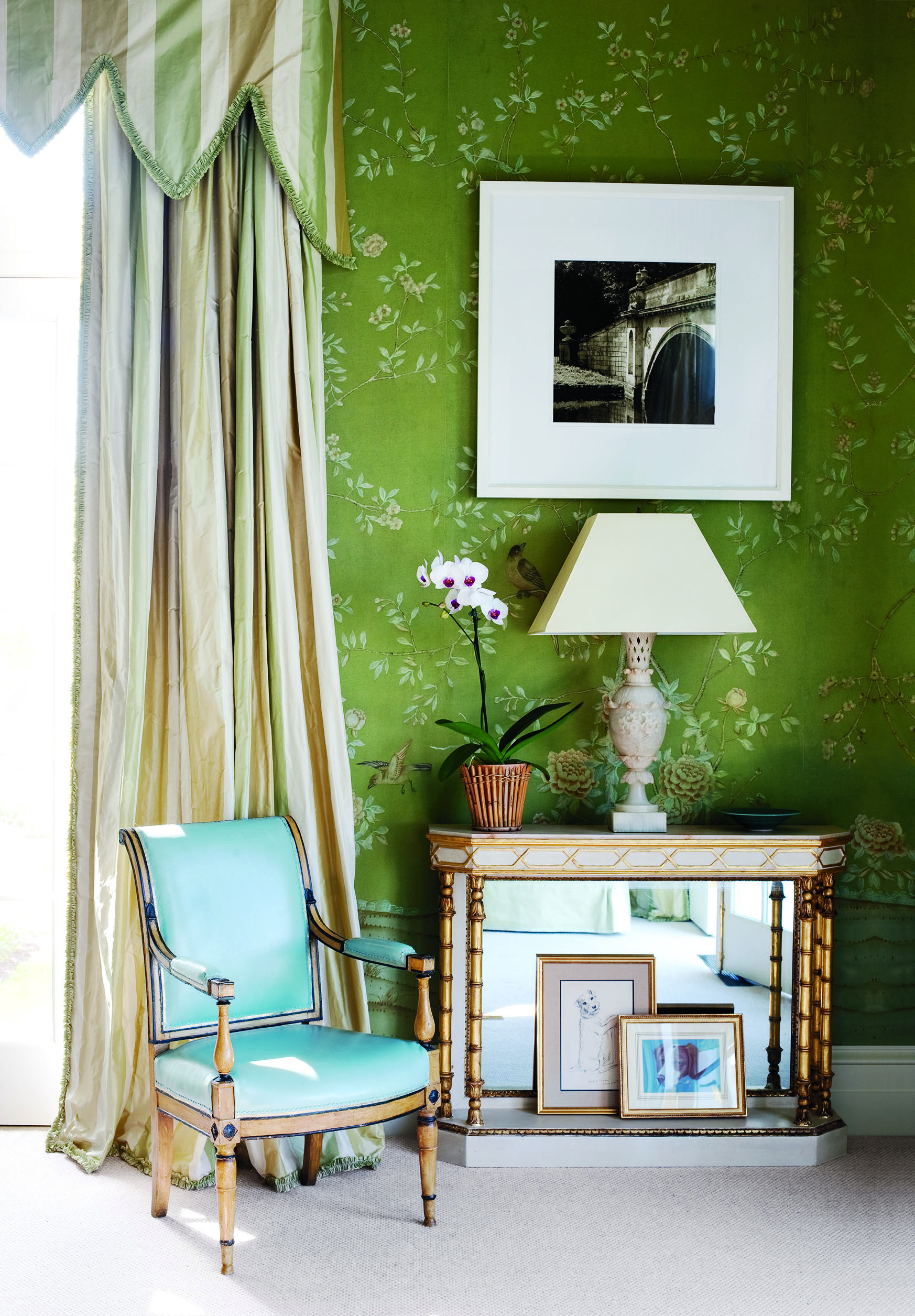 how to decorate with green wall paint