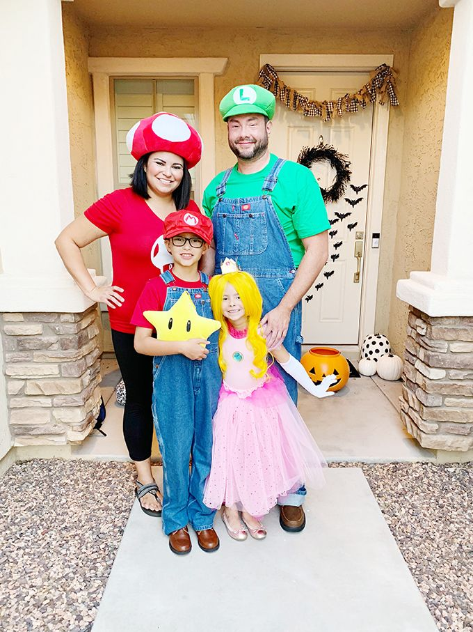 I was wondering what i should make the spear out of and how i sh. 42 Best Family Halloween Costumes 2021 Creative Group Costume Ideas For Kids And Family
