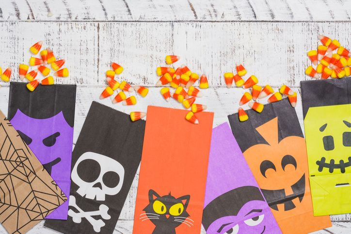 28/08/2020· use stitch markers to connect the bottom and side of the bag to the candy corn pieces. 22 Best Halloween Treat Bags 2021 Goodie Bags For Candy And Trick Or Treating