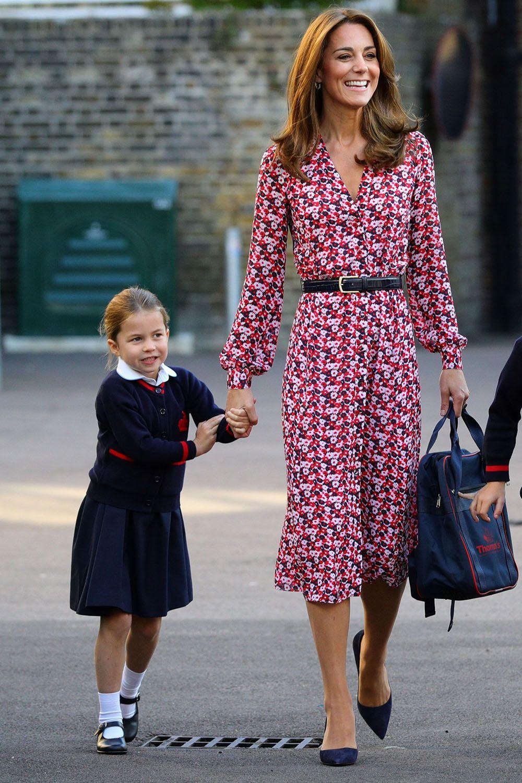 Kate Princess : princess, Middleton's, Advice, Princess, Charlotte, First, School