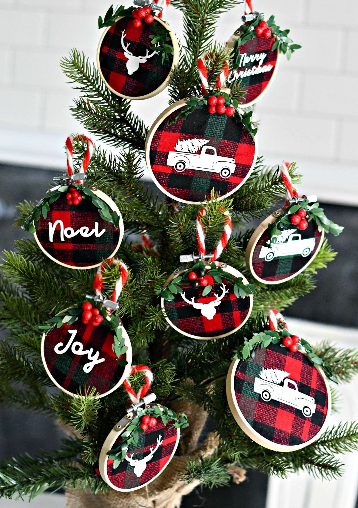 75 Diy Christmas Ornaments Best Homemade Christmas Tree Ornaments