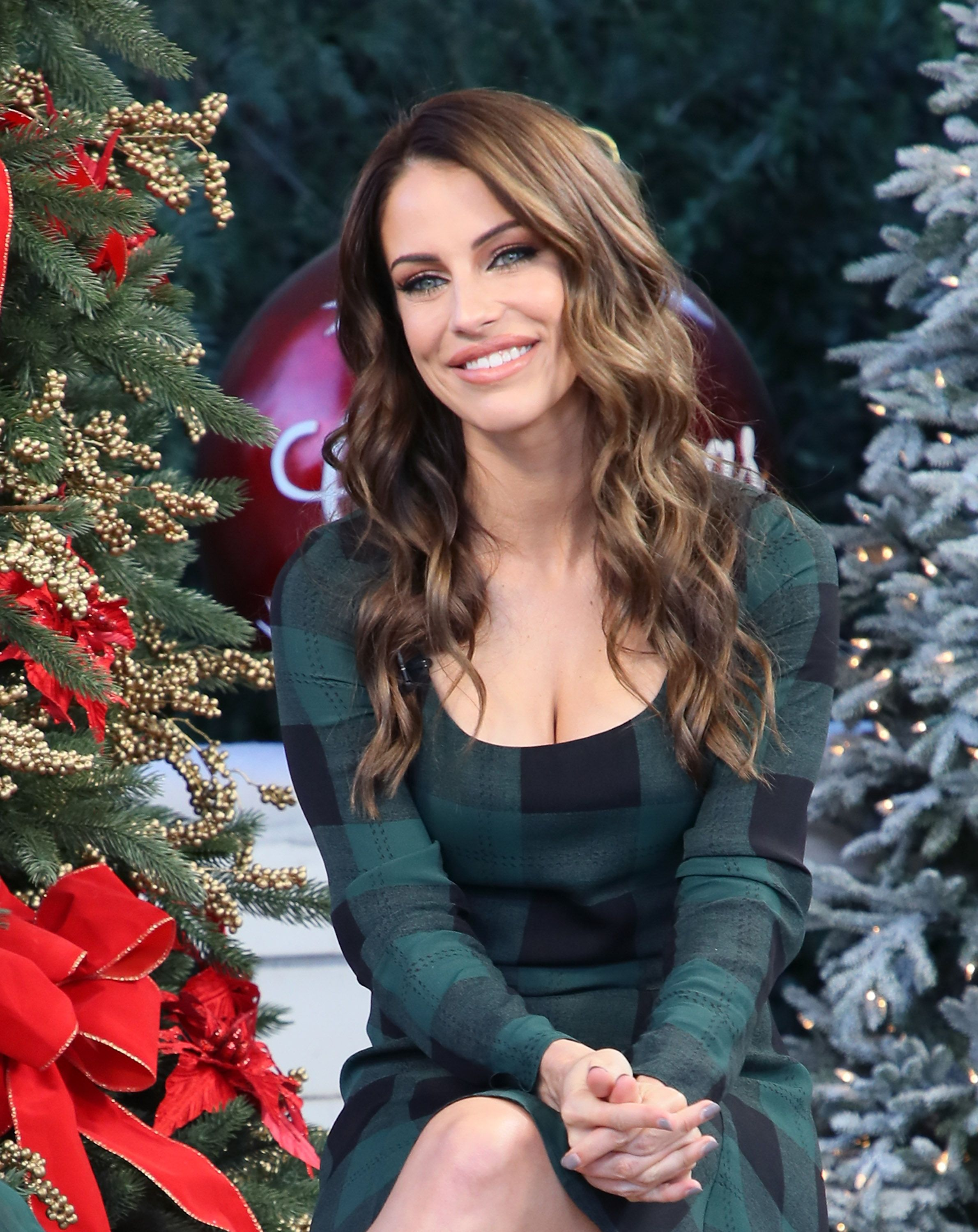 Heres Why Jessica Lowndes of Hallmarks Christmas at