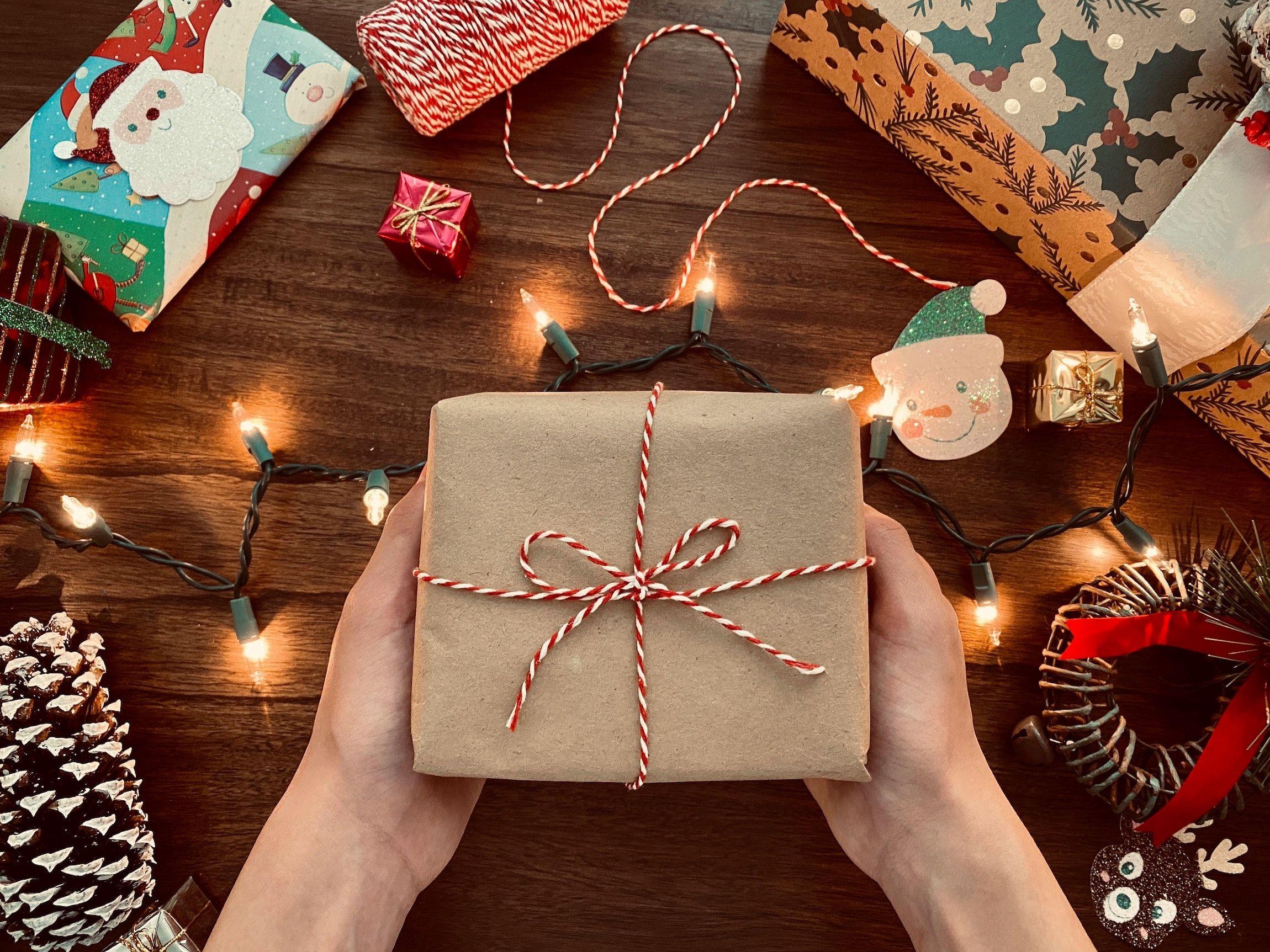 Queste 9 idee possono darvi suggerimenti davvero validi! 5 Regali Di Natale Per I Nonni