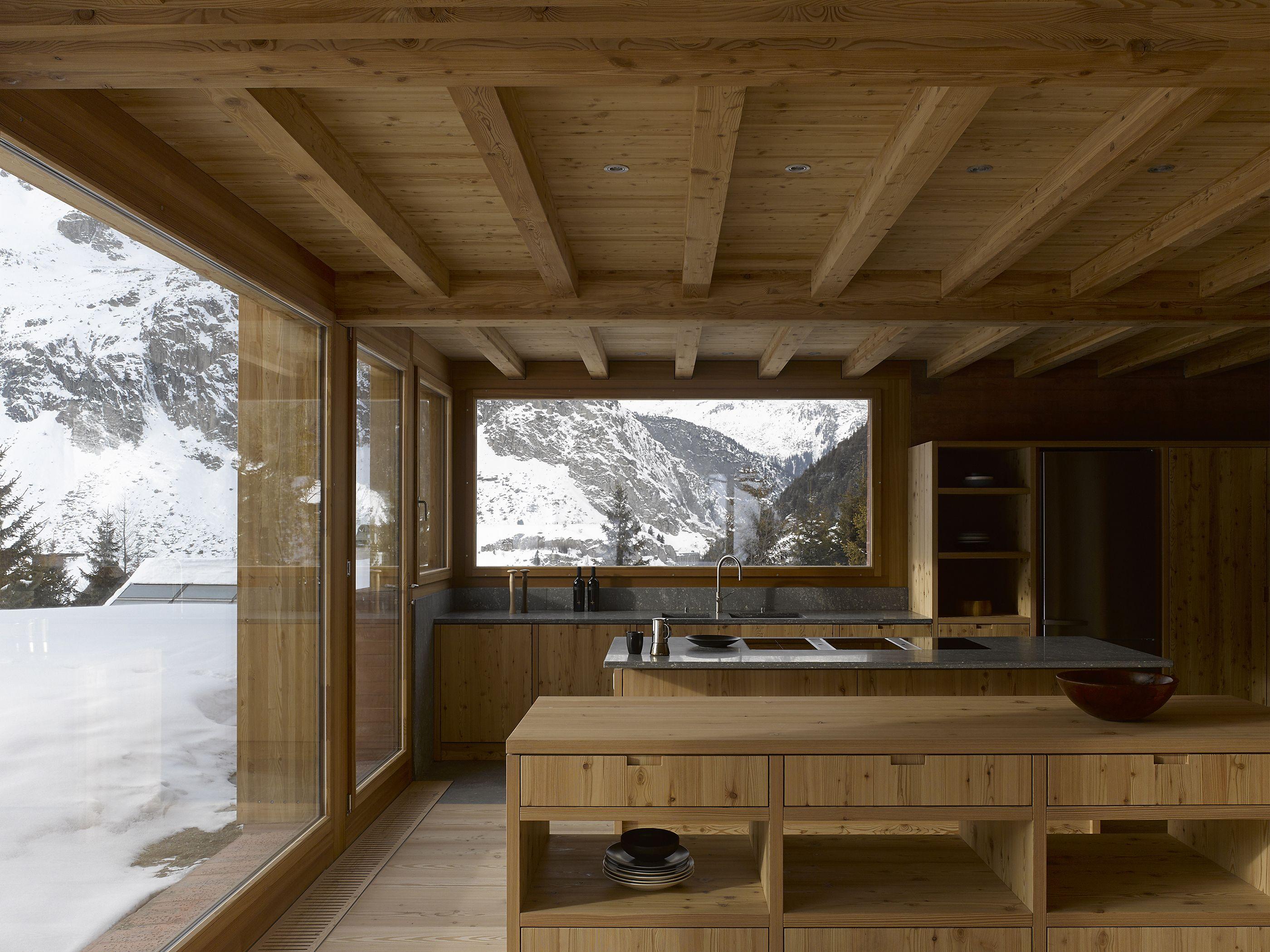 Una casa di montagna deve essere decorata rispettando l\'ambiente circostante. Gli Chalet Di Montagna Di Design