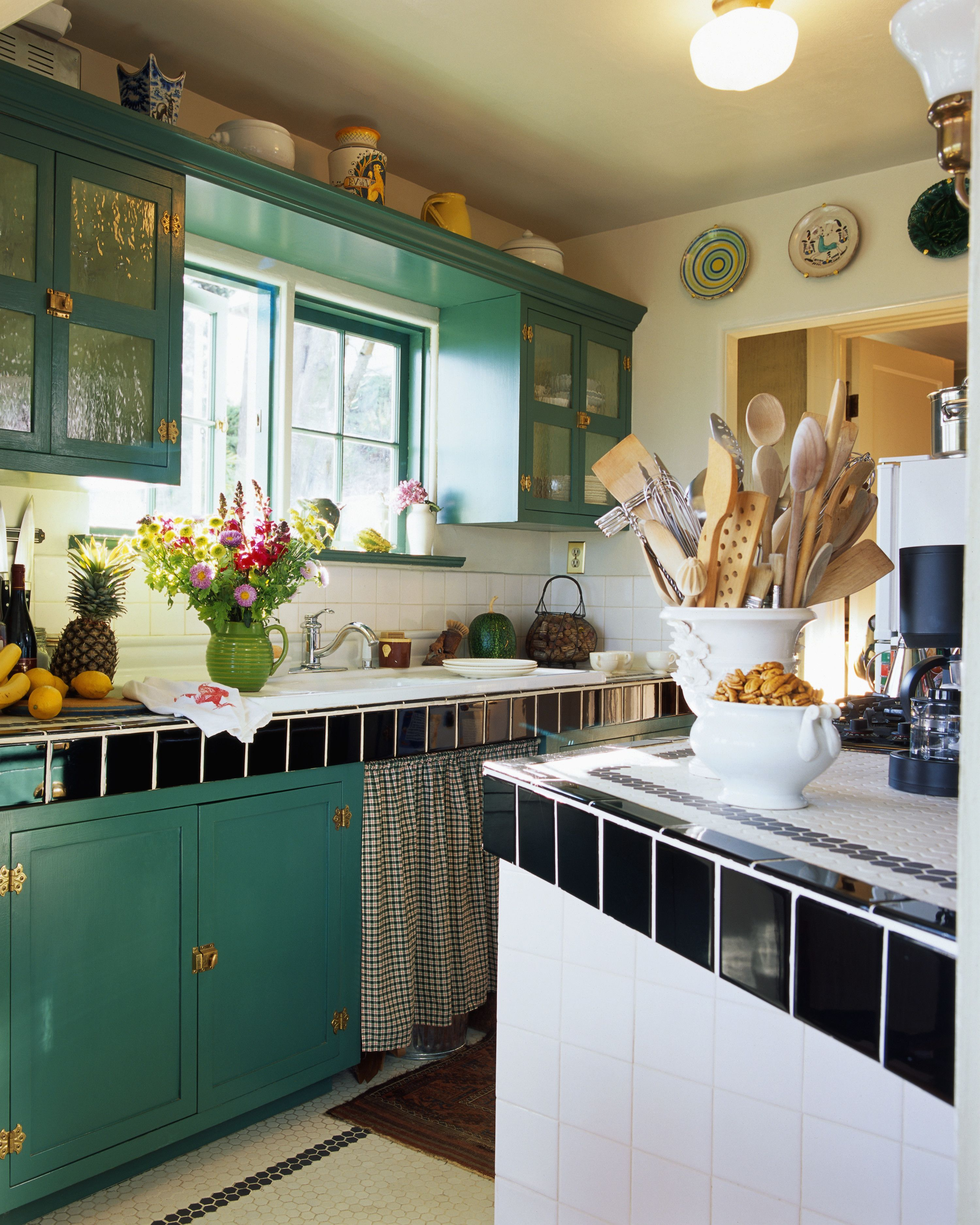 18 ideas for decorating above kitchen