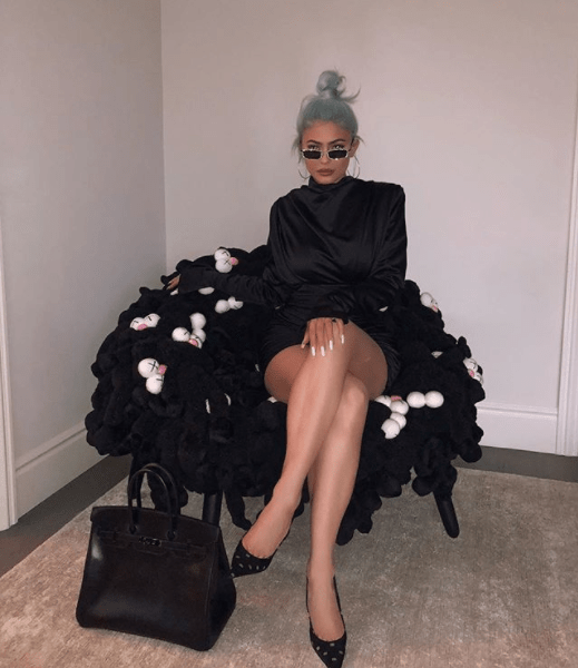 stuffed animal chair rustic leather and a half kylie jenner travis scott gave baby stormi 25k