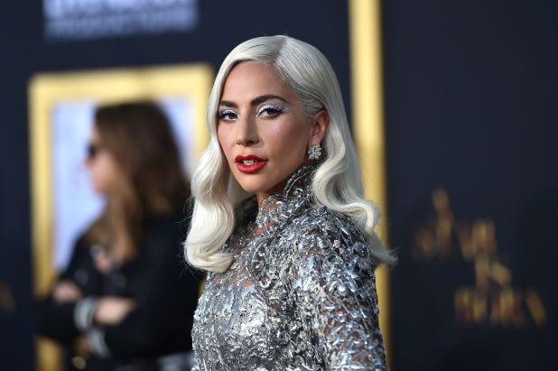 Lady Gaga se besa en público con Dan Horton, su posible novio
