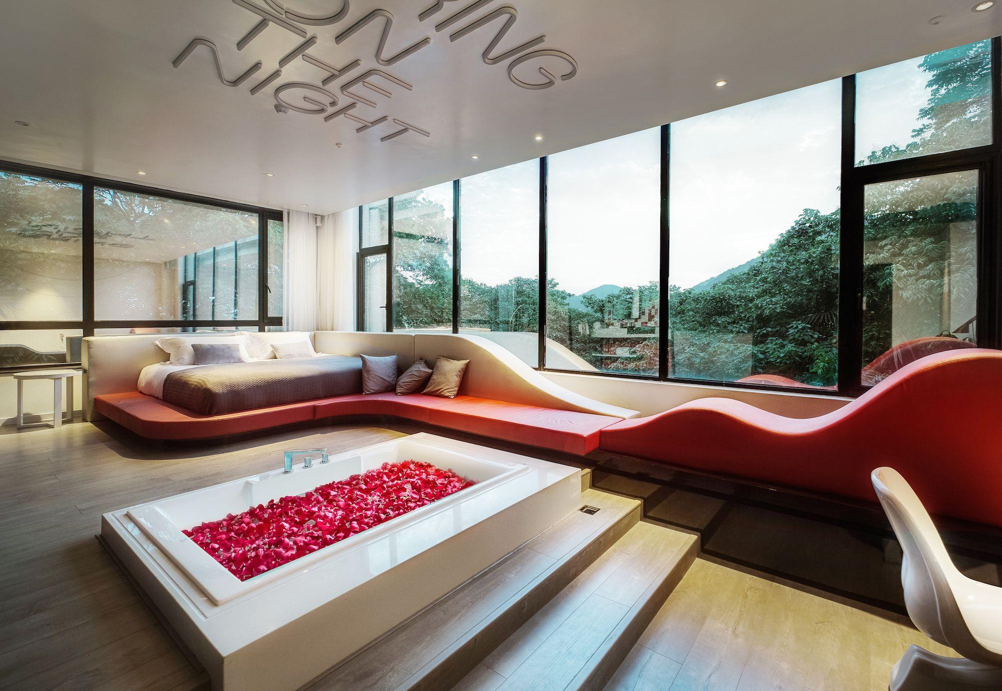 love hotel china