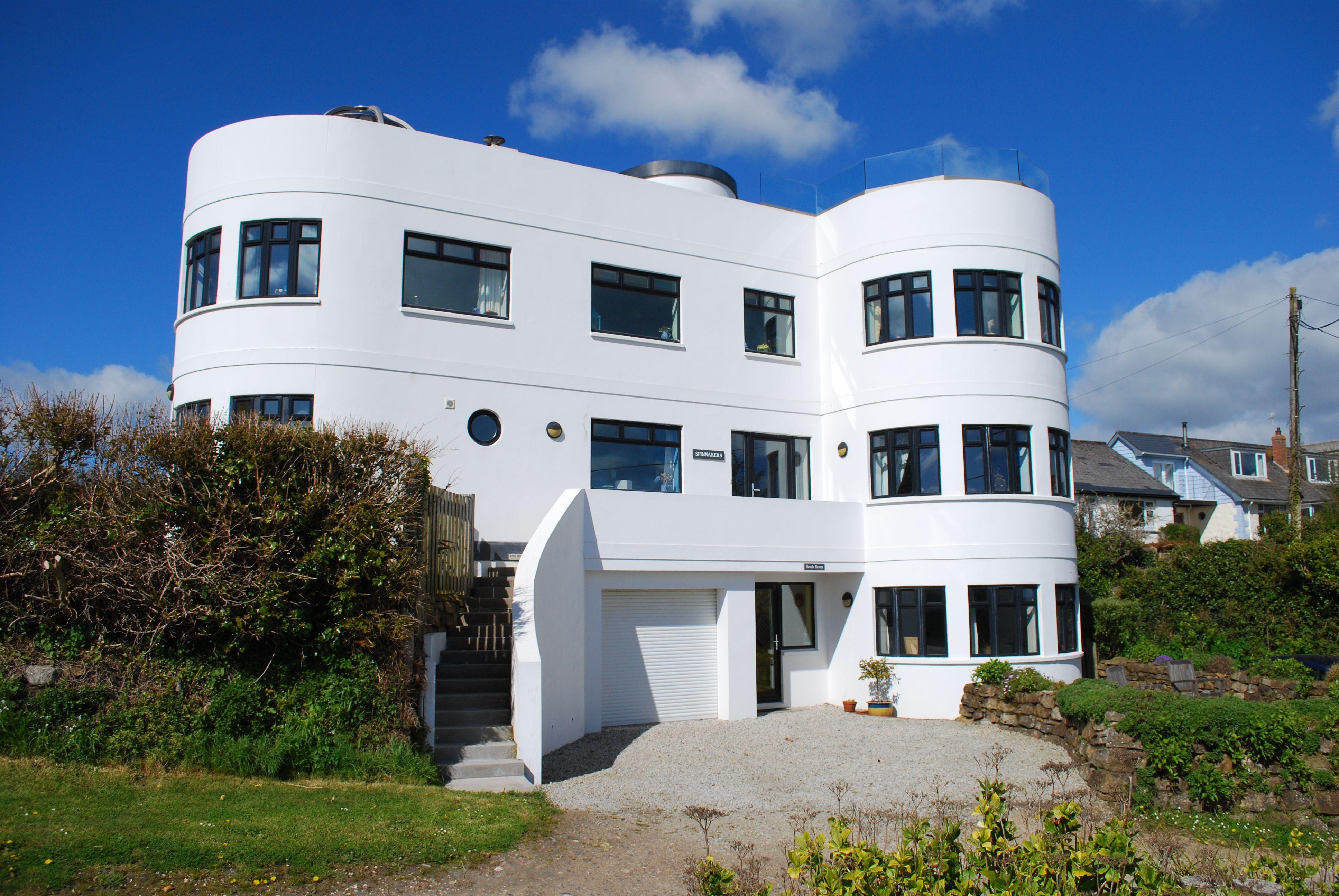 Art Deco Style Coastal Property For Sale In Marazion Cornwall