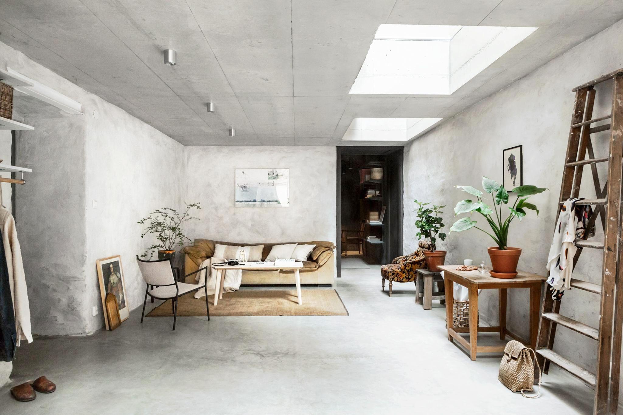 Minimalist High Ceiling Small House Design