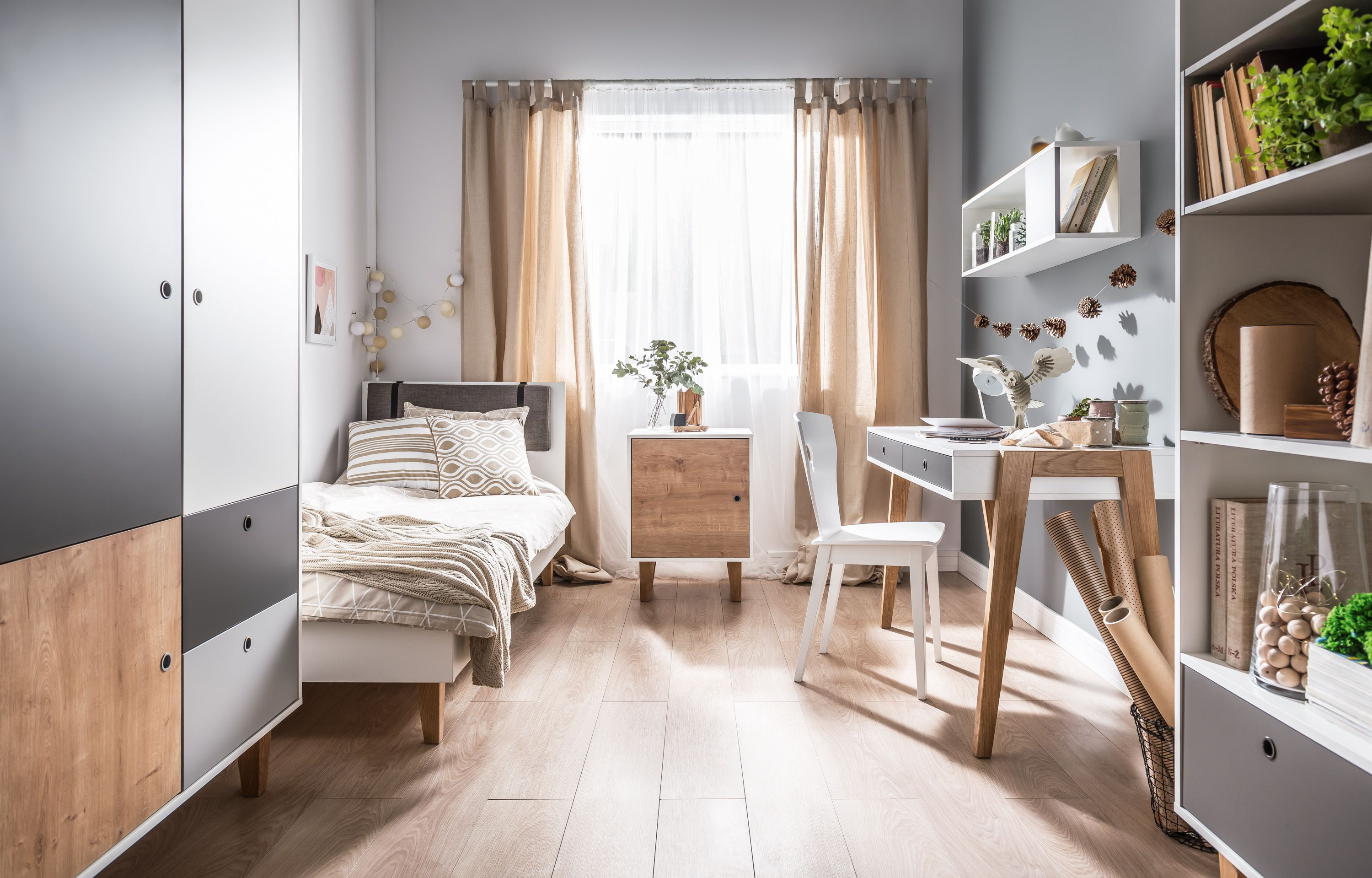 18 Small Bedroom Ideas To Fall In Love With Small Bedroom Decorating Ideas