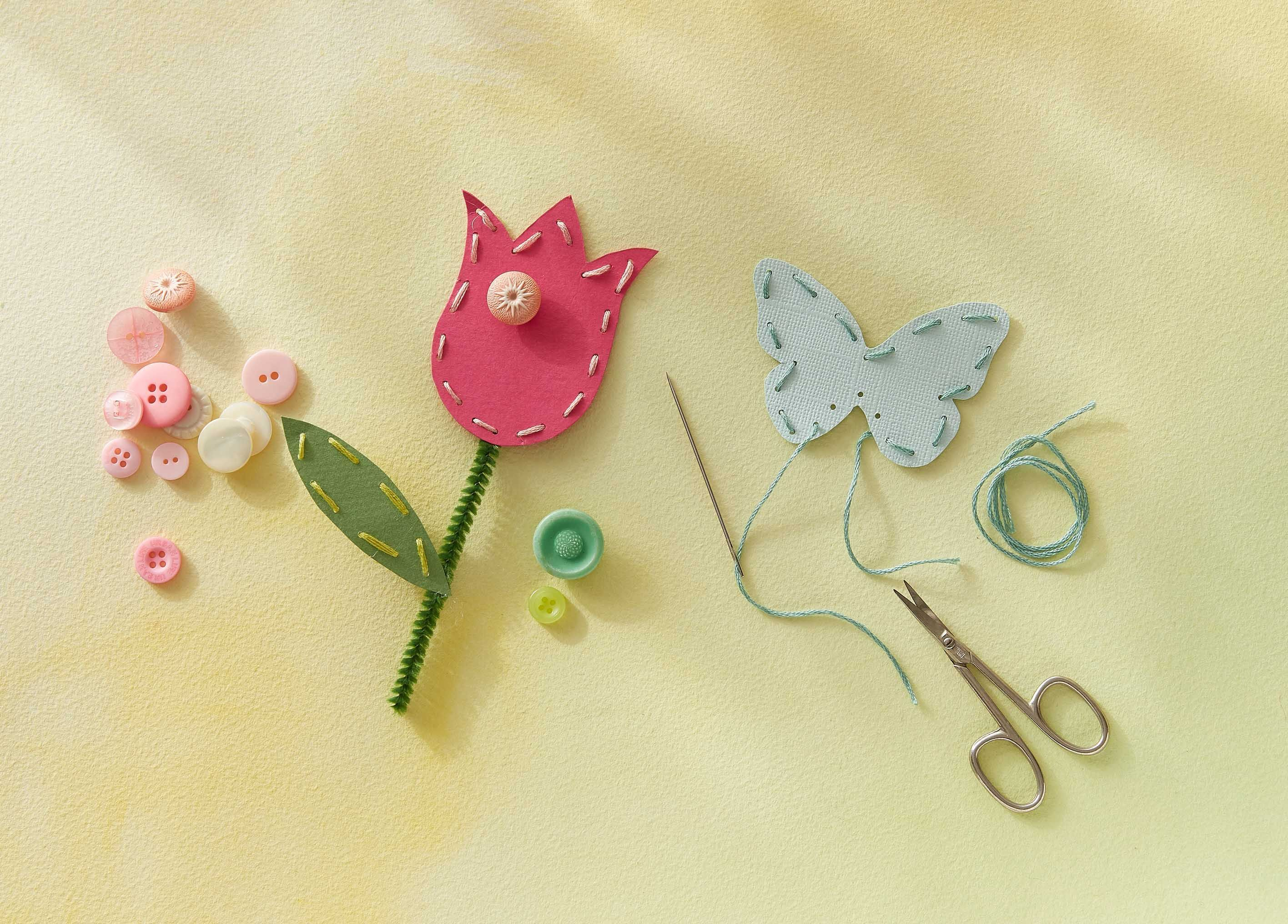 52 Easy Mother S Day Crafts For Kids Preschool Mothers Day Craft Ideas
