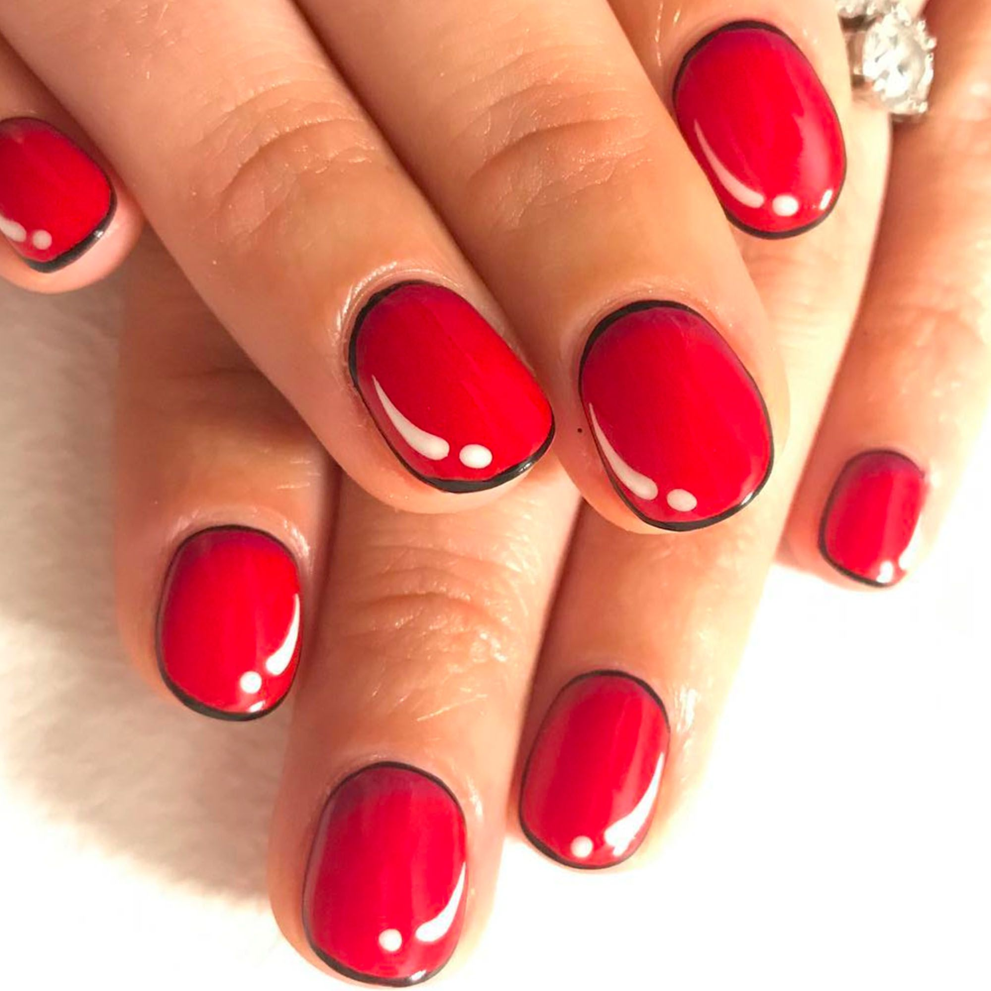 easy red nail design - cute