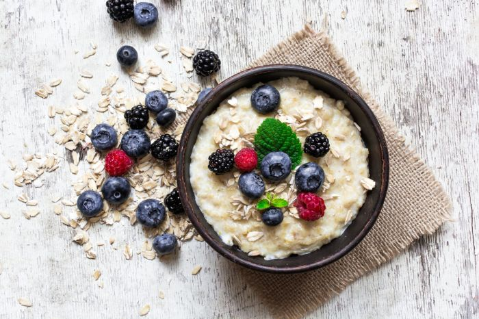 oatmeal porridge with ripe berries