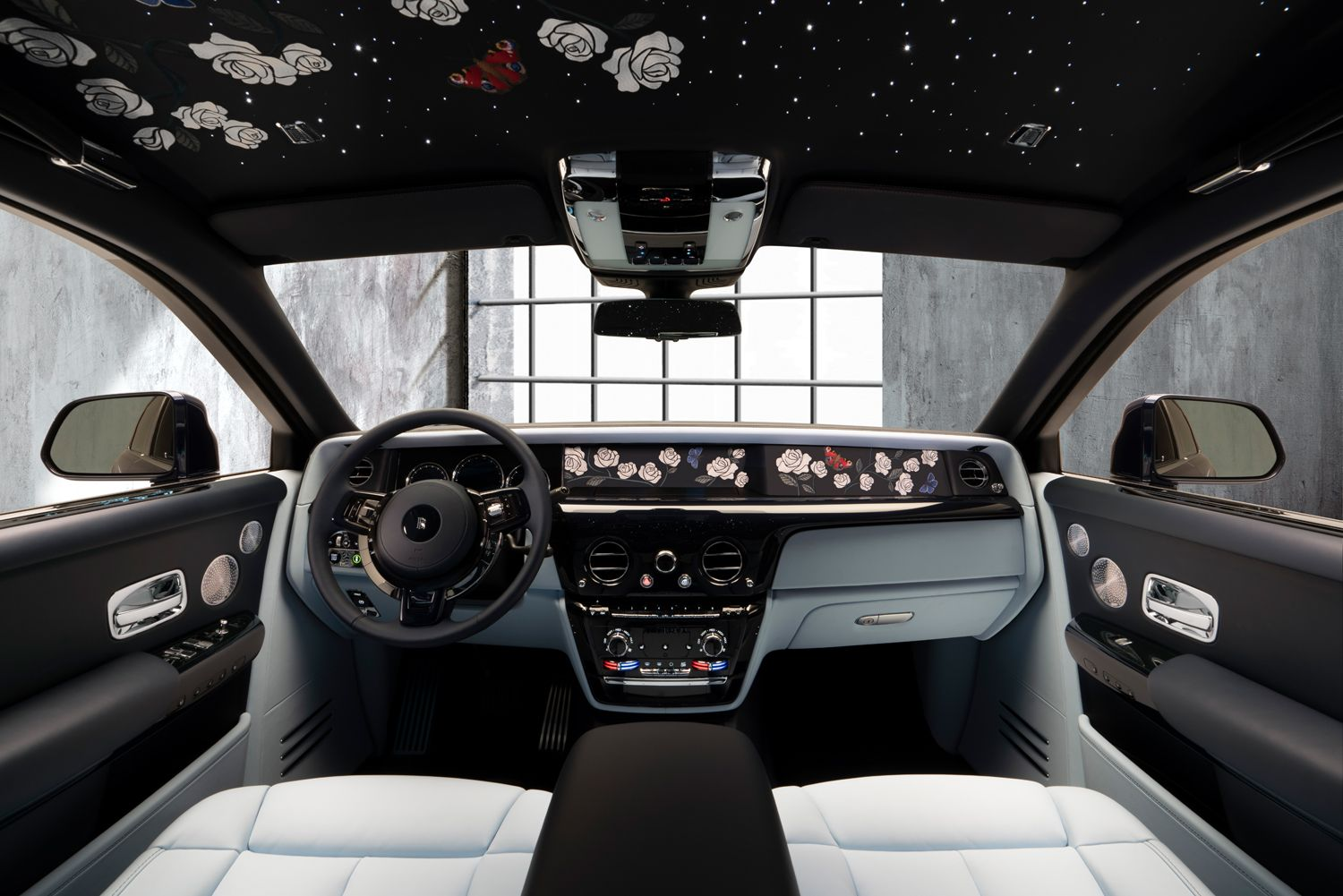 The fleet of phantoms, in a signature red, were just shipped to macau. 2021 Rolls Royce Phantom Review Pricing And Specs