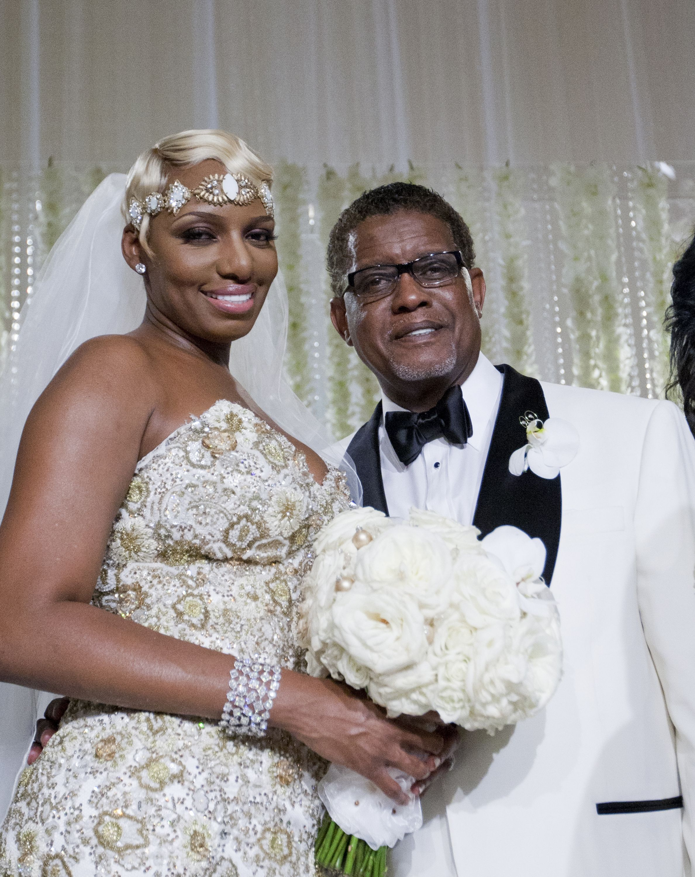 After a long battle with cancer, gregg leakes has passed away peacefully in his … Rhoa Nene And Gregg Leakes S Relationship Timeline And History
