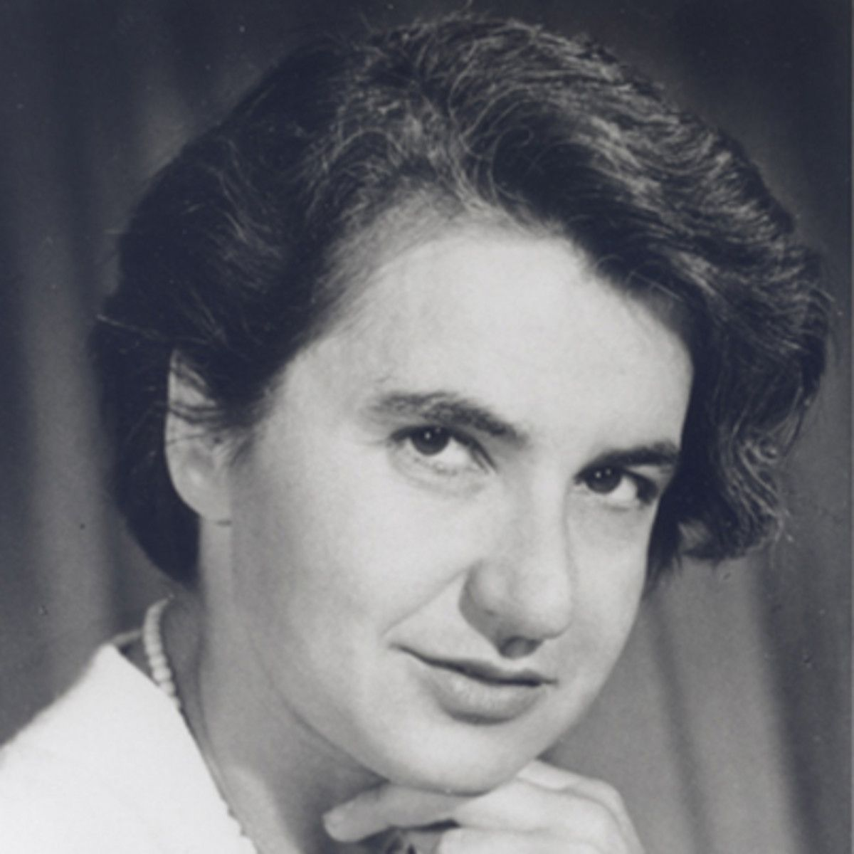 Chi è Rosalind Franklin. la scienziata a cui dobbiamo il DNA