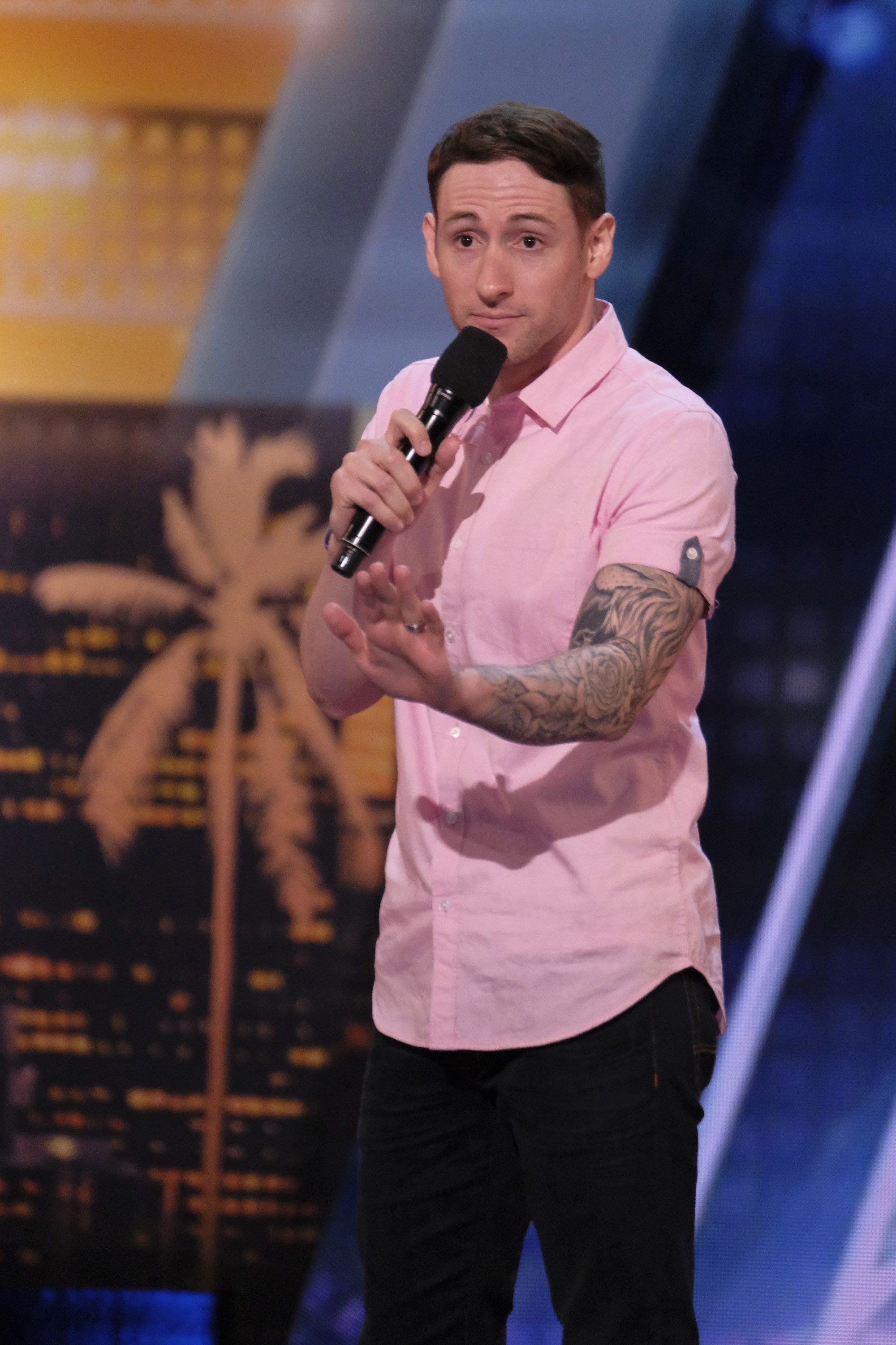Samuel J Comroe Comedian With Tourette S Syndrome Wows