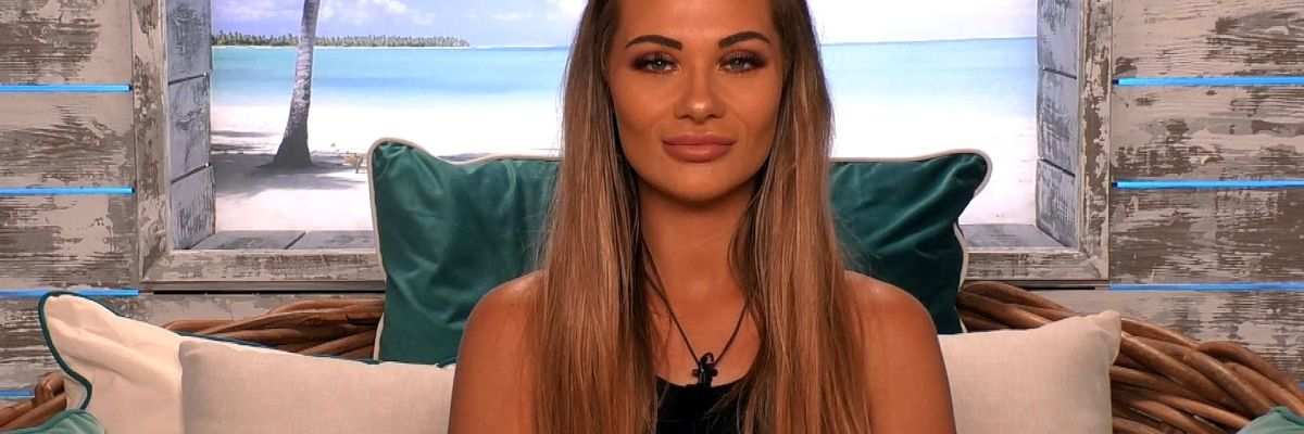 Love Island S Shaughna And Natalia Apparently Have A Secret Feud