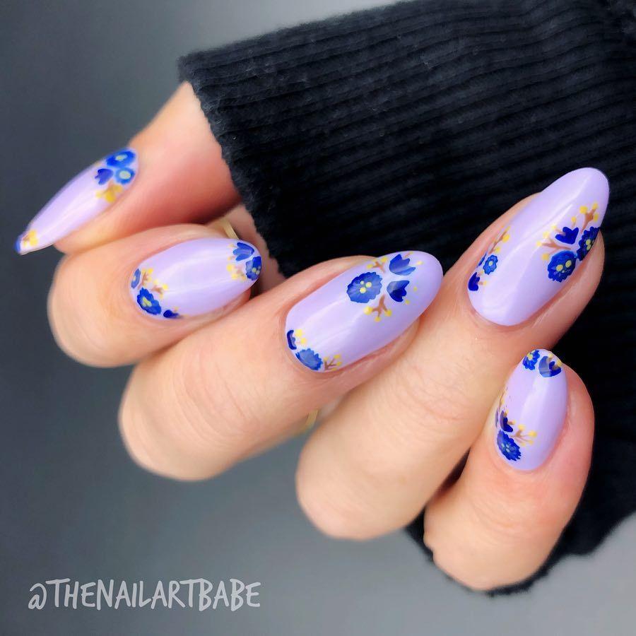 spring nail design - pretty