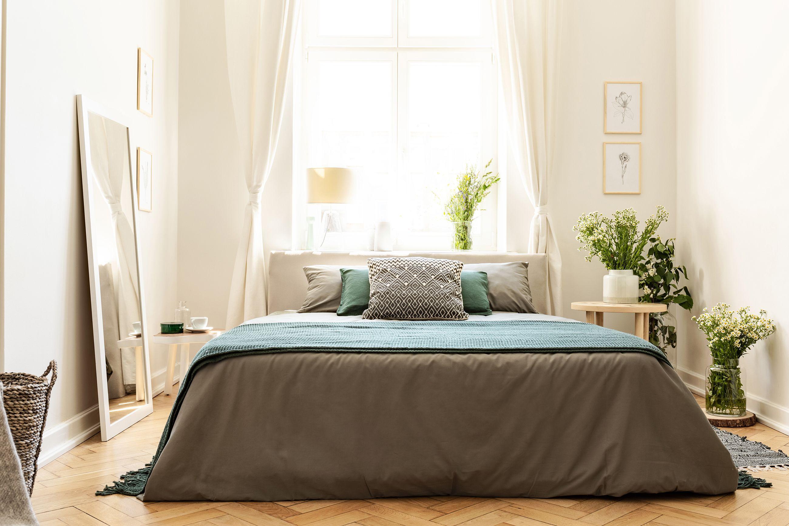 small bedroom ideas natural light