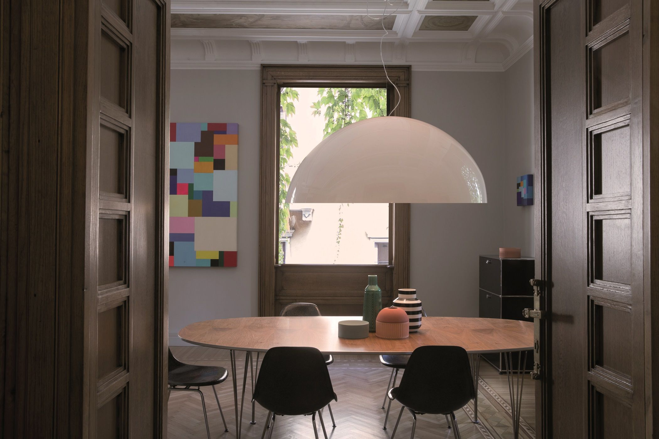 Visita la nostra collezione di lampade da parete per trovare un magnifico complemento per il tuo salone o una lampada singola per apportare un tocco di carattere alla stanza. Lampadari A Sospensione Di Design