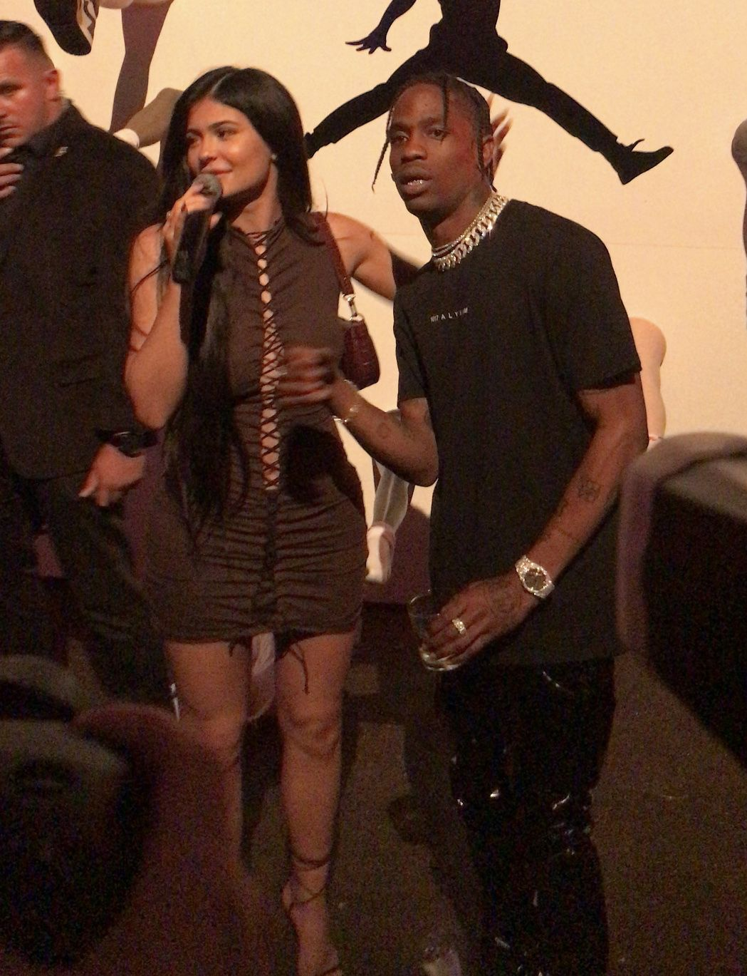 Kylie Jenners Dress Was So Revealing At Travis Scotts Birthday