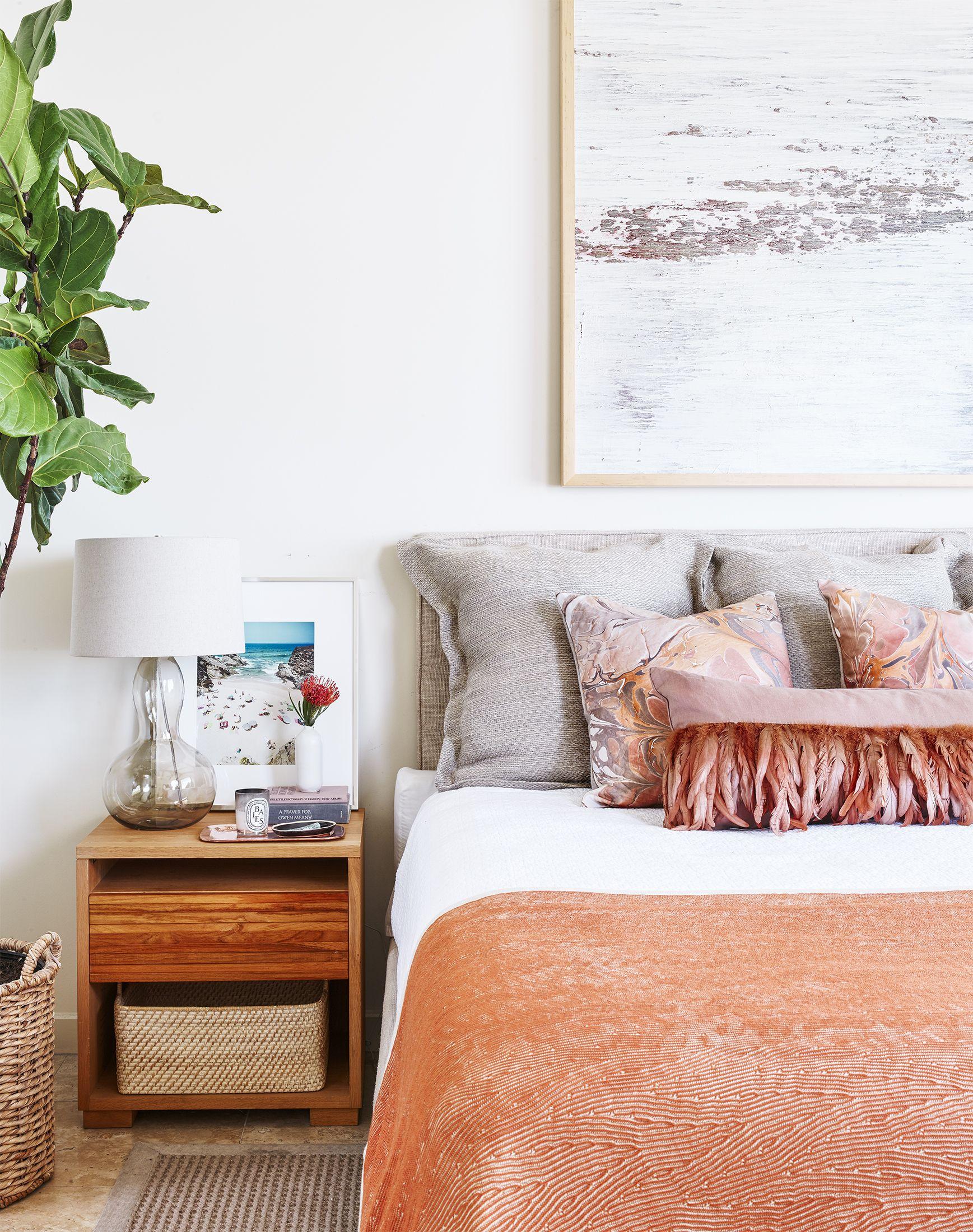 Spring Decor Ideas - Coral Bedroom