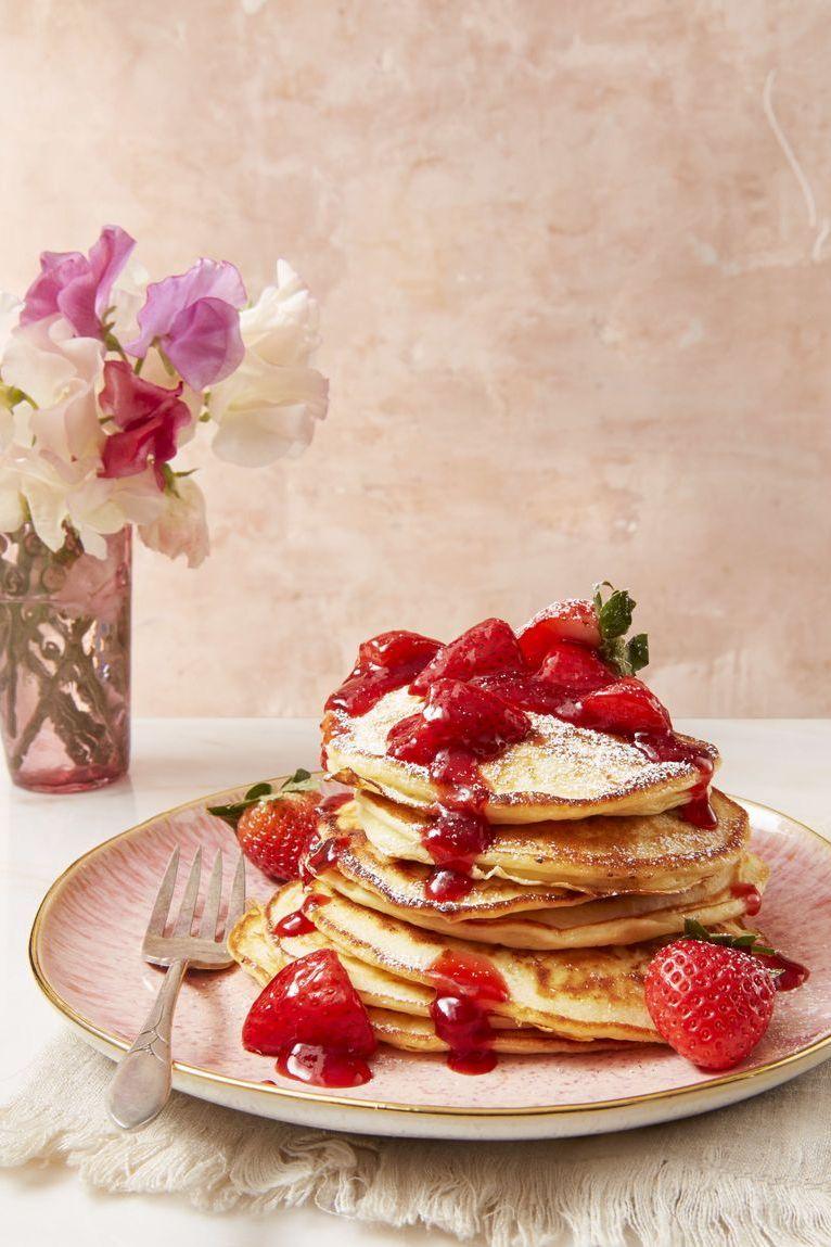 strawberry cheesecake flapjacks