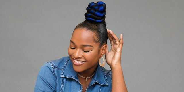 exactly how to diy this twisted blue top knot
