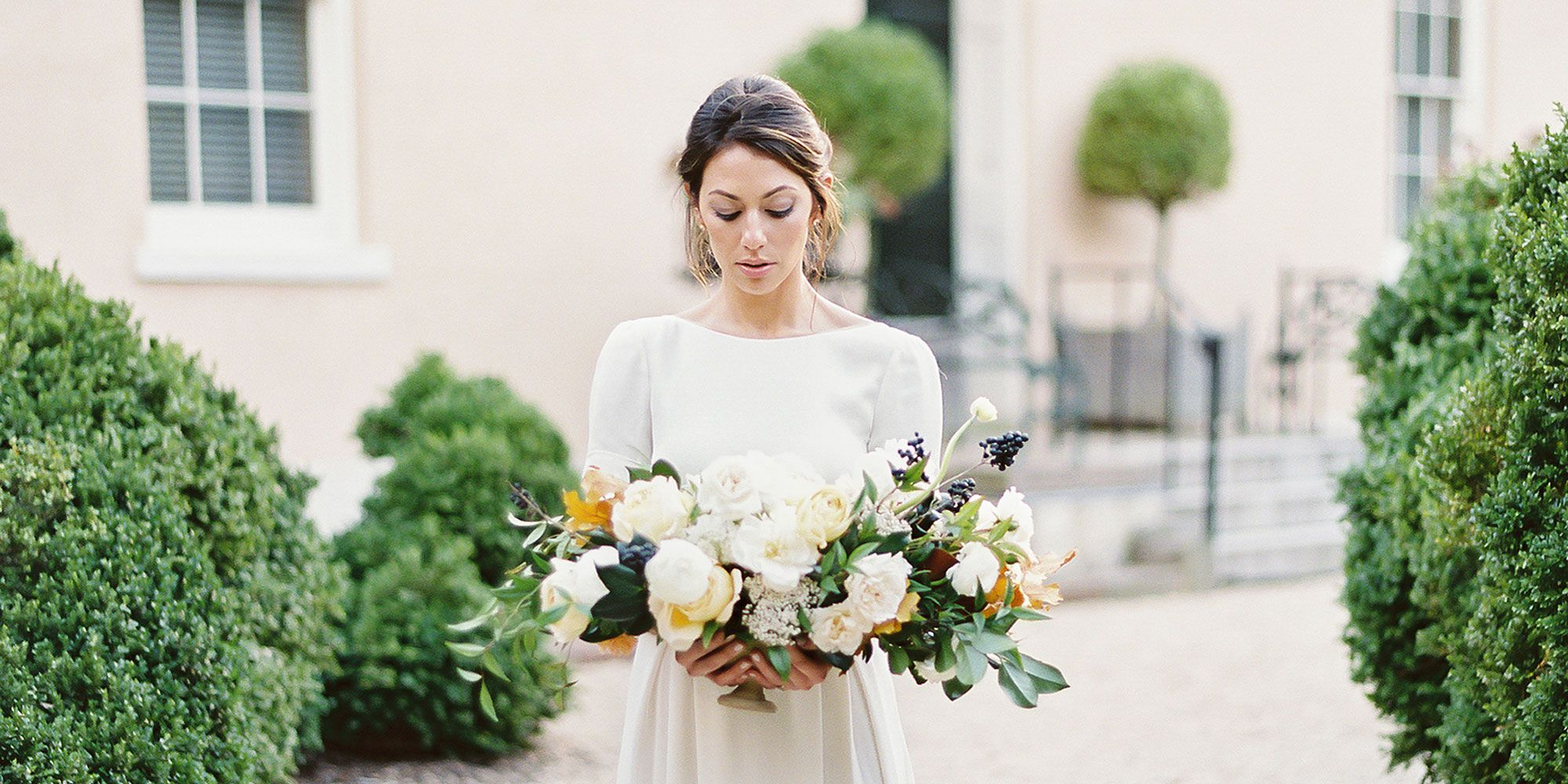 Here's How Much Brides Actually Spend On Wedding Dresses