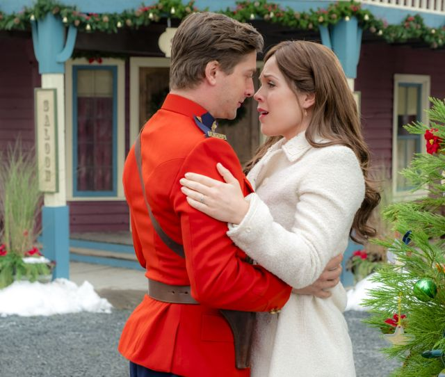 Why Did Daniel Lissing Leave When Calls The Heart