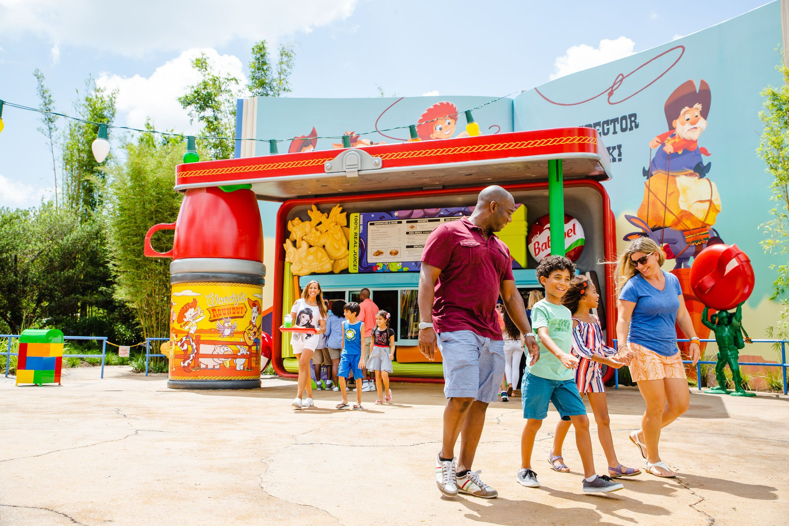Woodys Lunch Box at Disneys Toy Story Land Features a