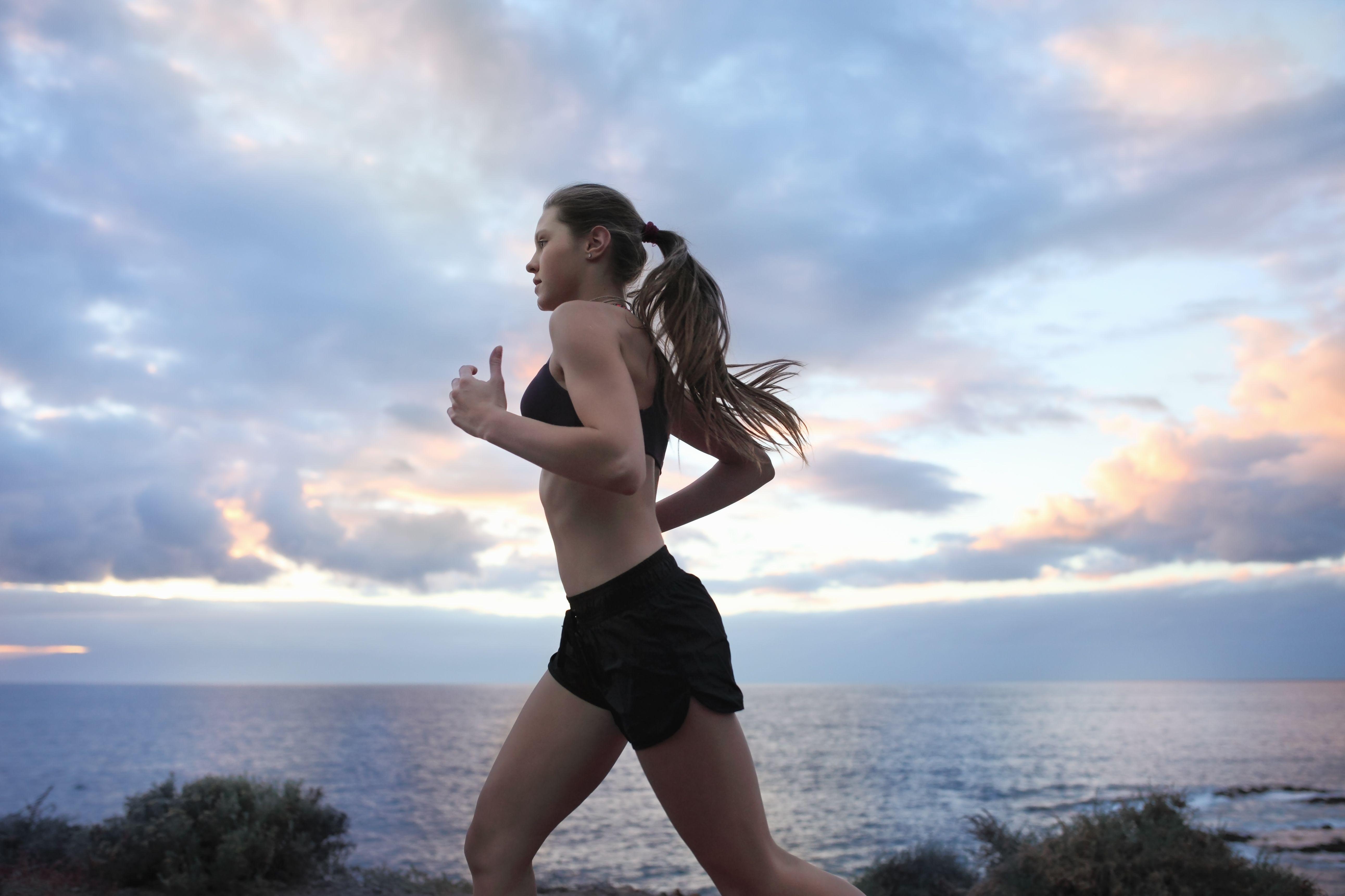 跑步減肥怎麼瘦?跑對時間點和方式瘦身效果提升20%、配合3要訣瘦得更快