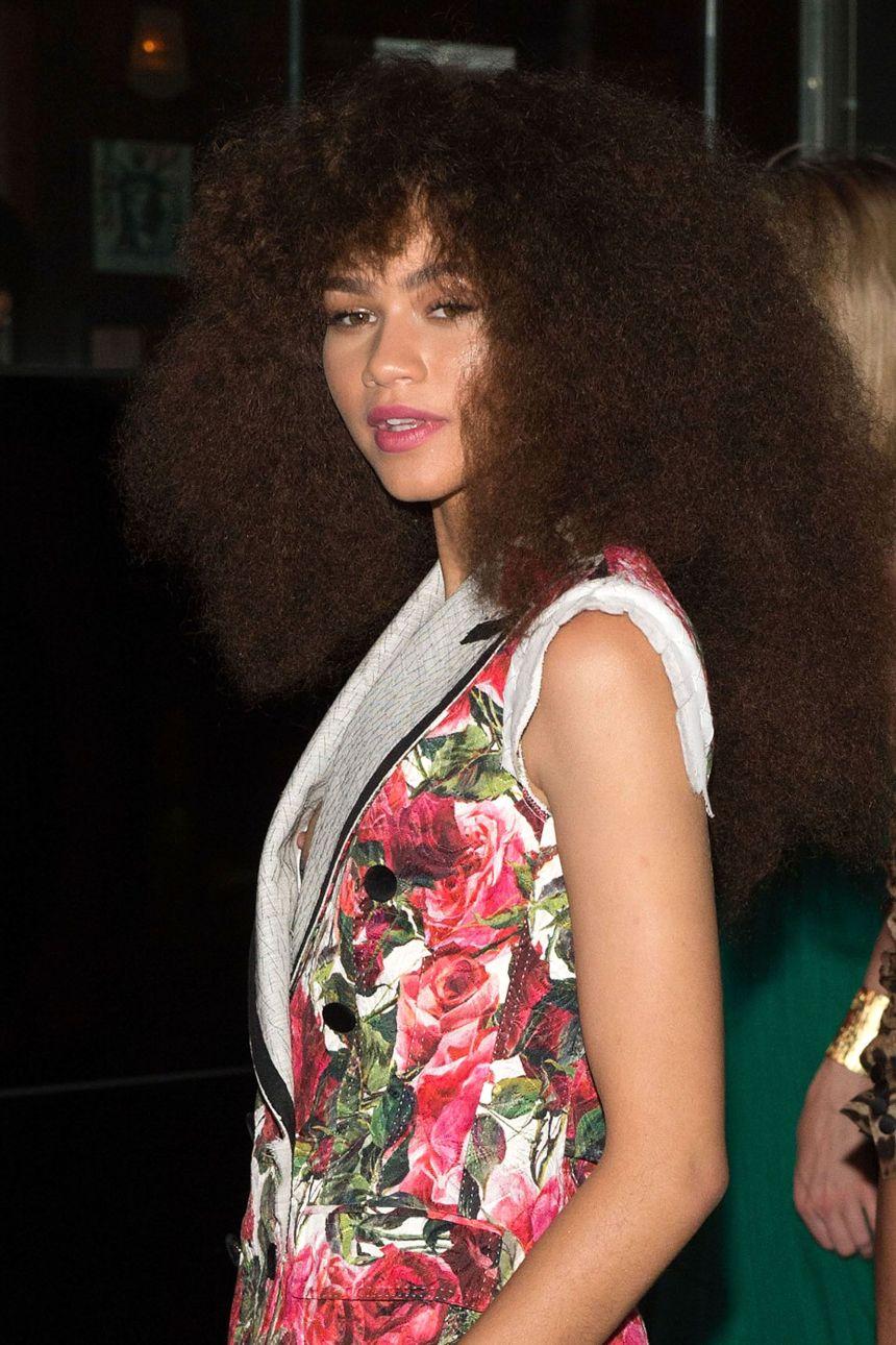 Hair, Beauty, Hairstyle, Fashion, Long hair, Black hair, Brown hair, Fashion design, Fawn,