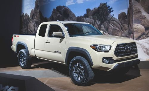 small resolution of 2016 toyota tacoma debuts is mostly modern