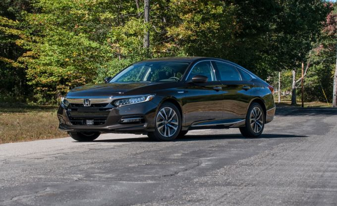 2018 Honda Accord Hybrid First Drive Review Car And Driver