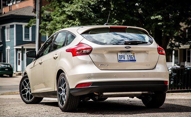 2017 ford focus sedan and hatchback