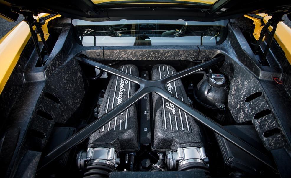 Lamborghini Donates 202 Mph Huracán To Italian State Police News