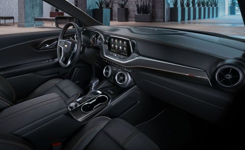 small resolution of chevrolet blazer reviews chevrolet blazer price photos and specs car and driver